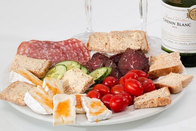 Tips mengecilkan paha dengan menghindari makanan junk food