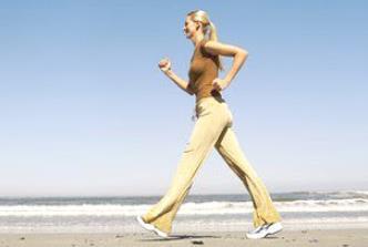olahraga mengecilkan perut dengan berjalan cepat