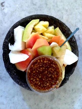 diet karbohidrat menu rujak buah yang segar