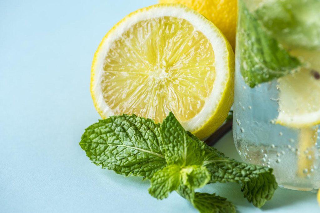 mengobati sakit gigi dengan jeruk lemon