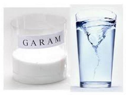 mengobati gusi bengkak dengan air garam