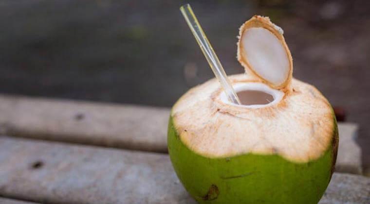 mengobati gusi bengkak dengan air kelapa