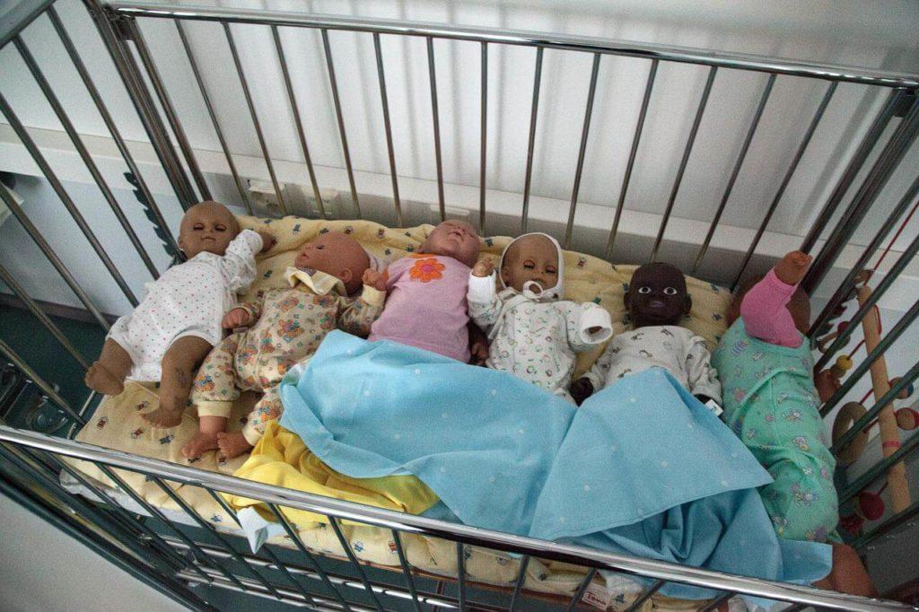 tempat tidur bayi aman dan nyaman