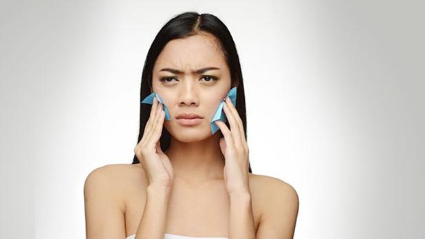 hindari produk kecantikan yang mengandung minyak untuk mencegah komedo