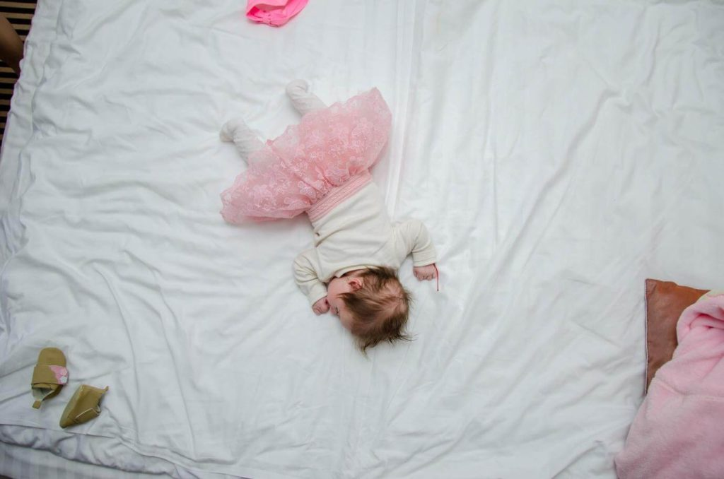 tempat tidur bayi nyaman
