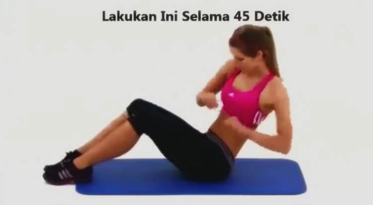 gerakan mengecilkan perut pria