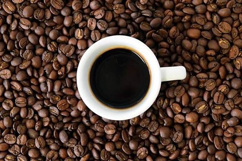 pantangan ibu hamil meminum kopi dengan kafein berlebih